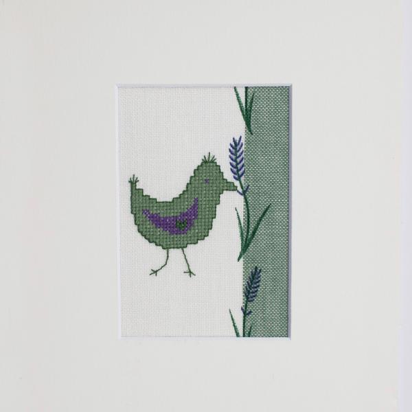Stickpackung grüner Vogel mit Lavendel